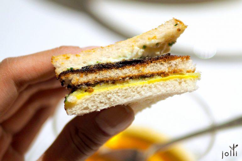 骨髓及鯷鱼三明治