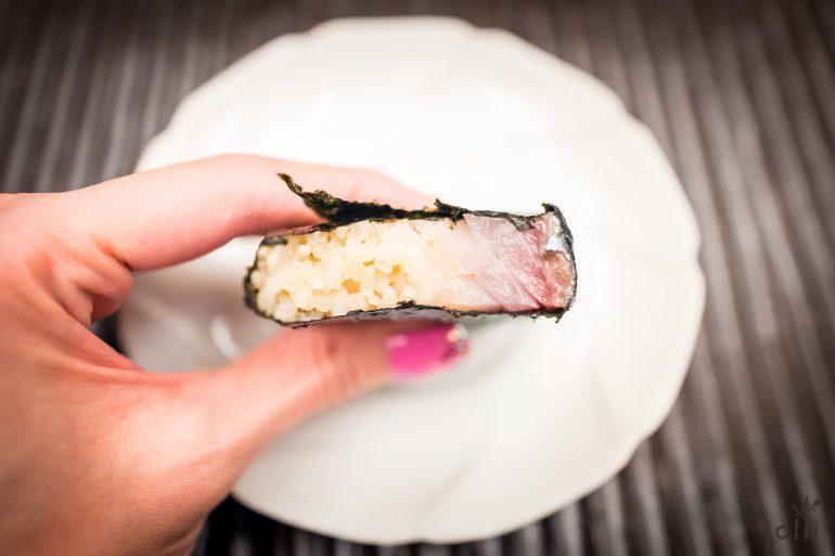 鲭鱼棒寿司像块三明治