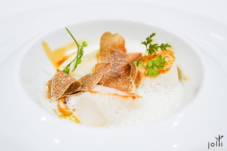 扇贝-白松露-土豆泥-鯷鱼泡沫-榛子