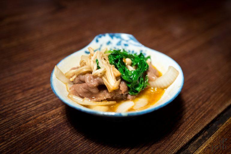 牛肉-春菊-洋蔥-金針菇