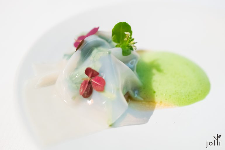 茄子鱼子酱-烧吉拉多2号生蚝-豆瓣菜沙拉-扇贝宽面盖着-豆瓣菜泡沫