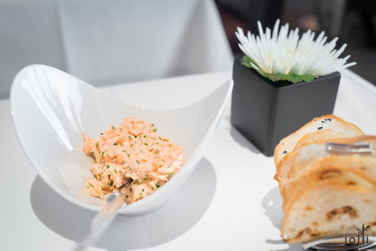 法式三文鱼酱配薄脆饼