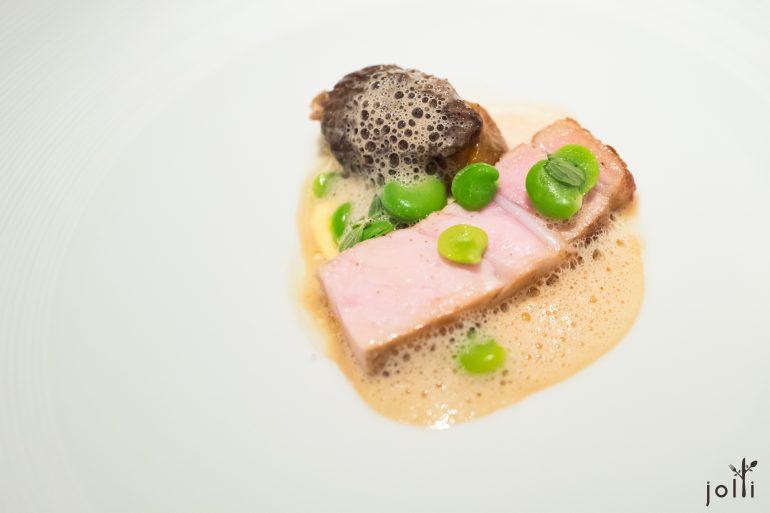 小牛肉-蘑菇黃酒科門特奶酪醬汁-小牛肉塞羊肚菌