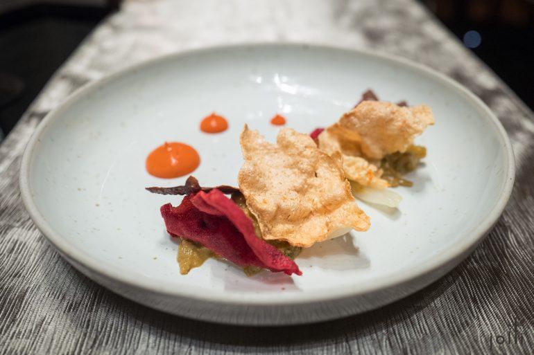 龙虾-凹唇姜红椒酱-三种蔬菜脆片