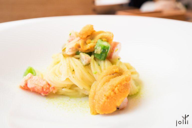 冷意大利面配北海道海胆、虾、蜜豆及豌豆粉