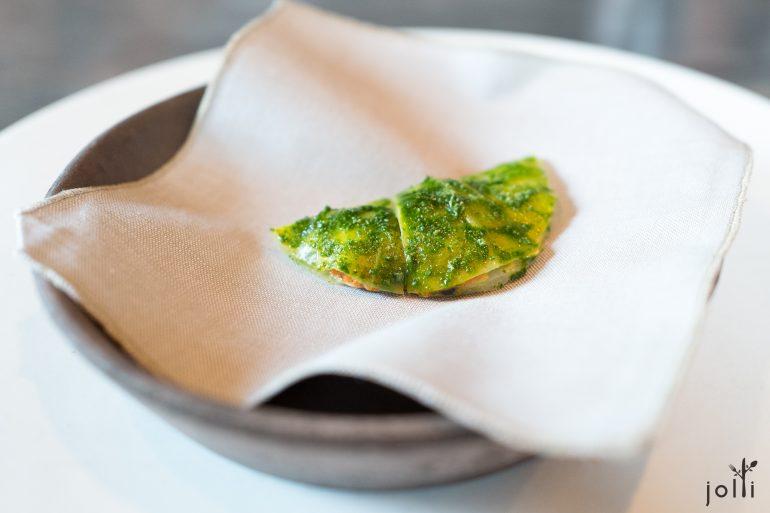 卷心菜裹海胆及鸡油菌