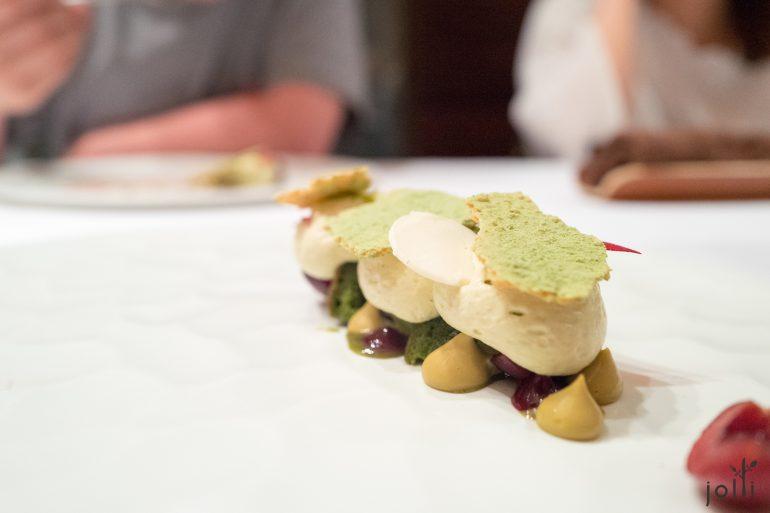 阿月浑子蛋白酥皮奶油卷筒-白巧克力-樱桃-绿茶蛋糕