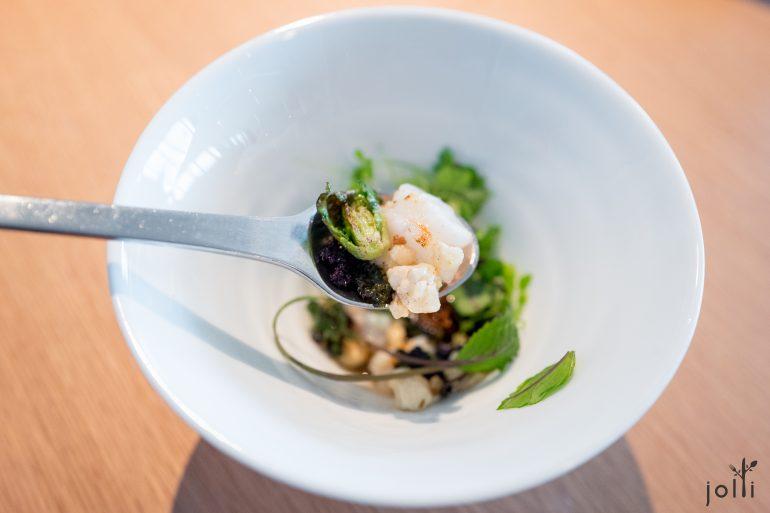 烤小龙虾-海藻汤-发酵洋白菜-褐黄油