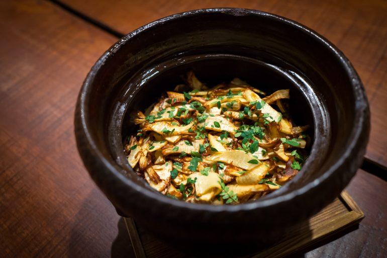 春筍山椒葉土鍋飯