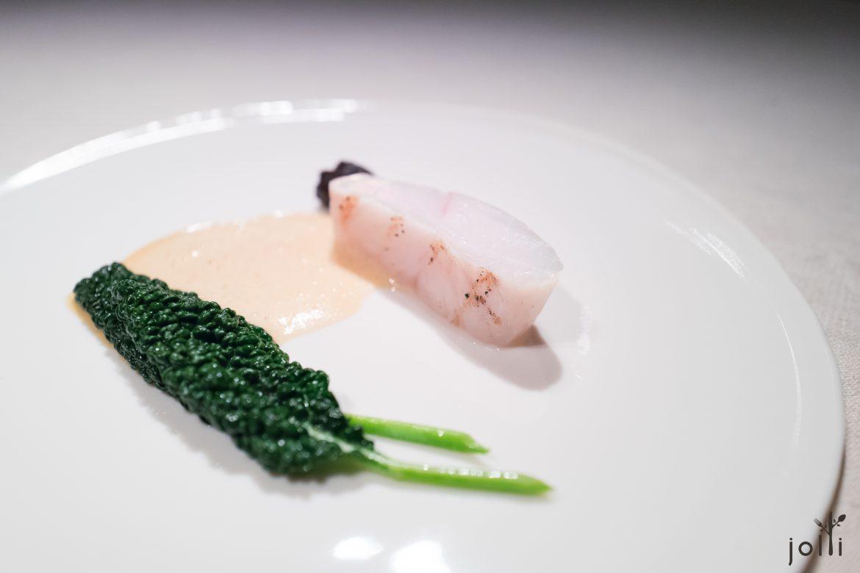 大菱鲆蘸牛肝菌菇苹果酱