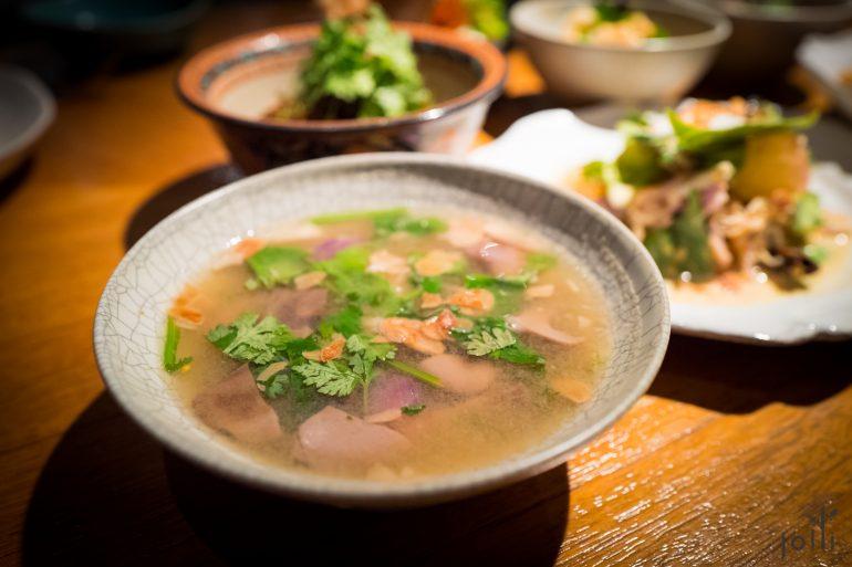 河虾蘑菇酸辣汤