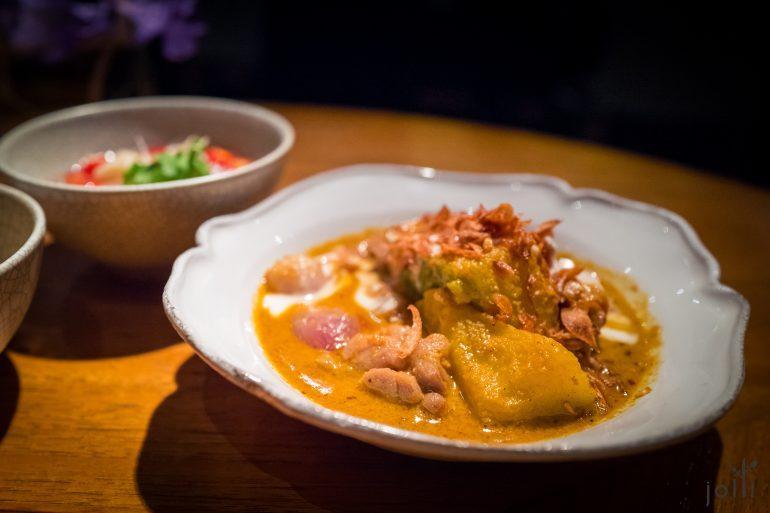 泰国南部的香咖喱鸡
