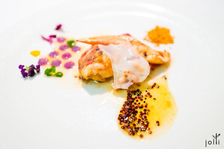 龍蝦配鮮花粉、蜂蜜、紫薯、藜麥,西葫蘆及漬西蘭花