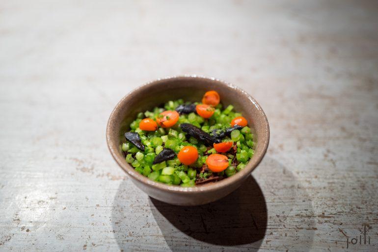 野鸟肝酱-麦芽白菜-花楸浆果-欧芹茎