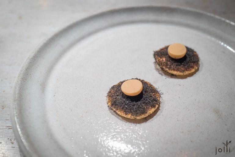 酸面团煎饼铺上海藻及黃油