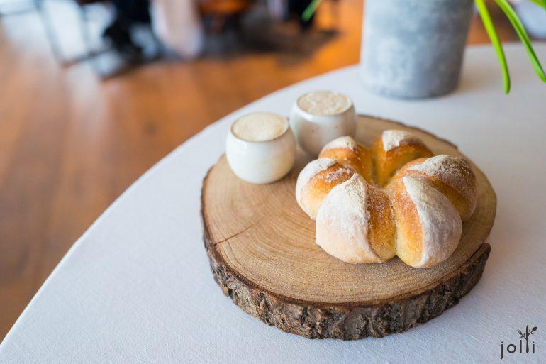 酵母面包配黄油及孜然黄油