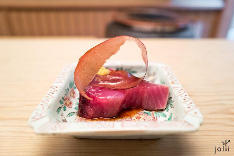 炭烤鰹魚配炸鰹節