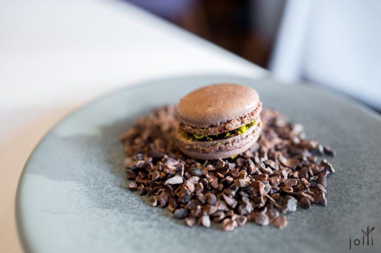 巧克力开心果马卡龙