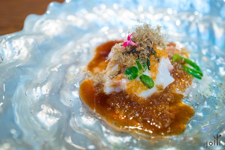 烤鳕鱼-烟熏昆布出汁-酢浆草