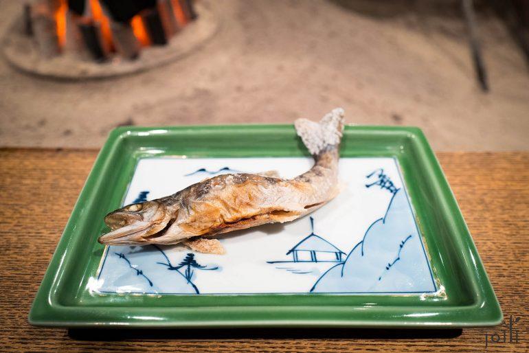 鱼皮烤得焦香,肉质清甜
