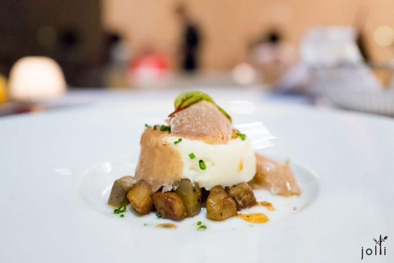 帕爾馬起司蛋奶酥配白松露及洋薊