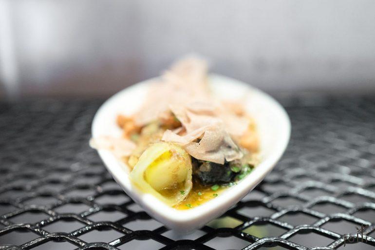 烤韭葱搭褐黄油及白松露