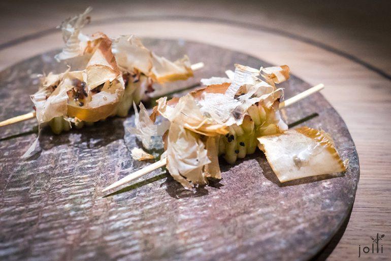 章鱼佐冬荫酱和鲣节