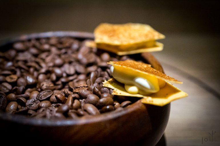 焦糖白巧克力夹咖啡冰淇淋