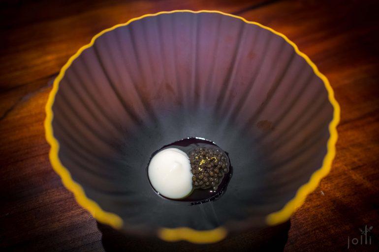 煙熏魚子醬跟酒麯奶油