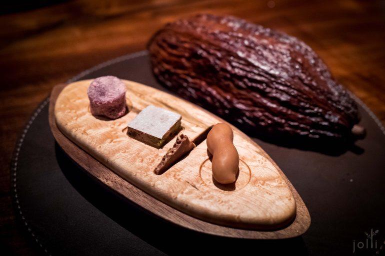 花生酱甘纳许、榛实巧克力脆米通、果仁软糖、木莓焦糖