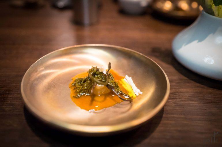 煮蕨菜及蘿蔔配牛肉汁