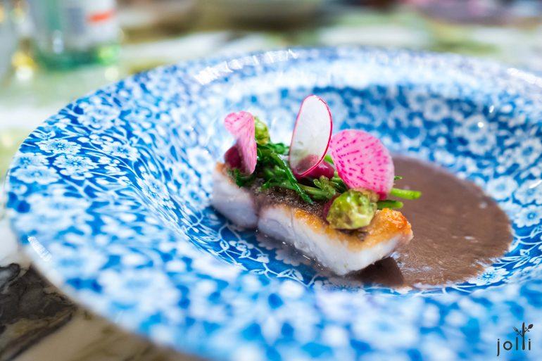 黃花魚佐黑豆海藻醬汁
