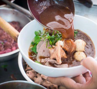 曼谷|Jaew Noodle -大皇宫及礼宾府御用的船面店家