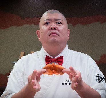 福冈|照寿司 - 快乐剧场型的巨无霸寿司体验