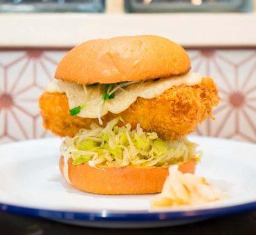 东京|Deli fu cious-前寿司职人的海鲜汉堡热狗店