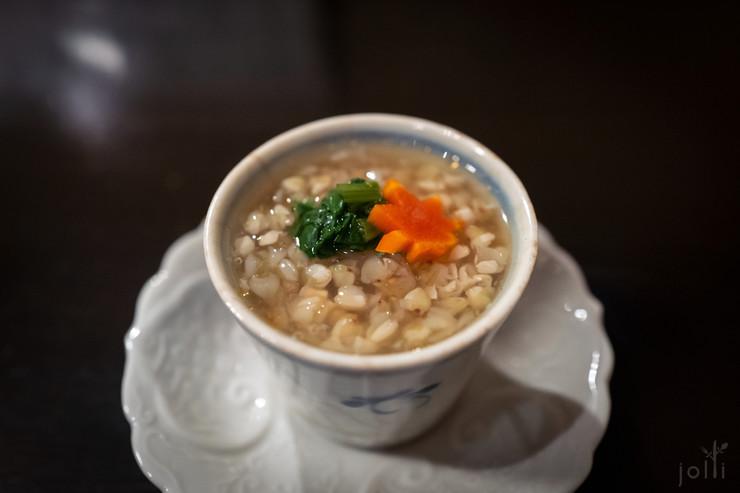 金目鲷及白萝卜茶碗蒸配荞麦