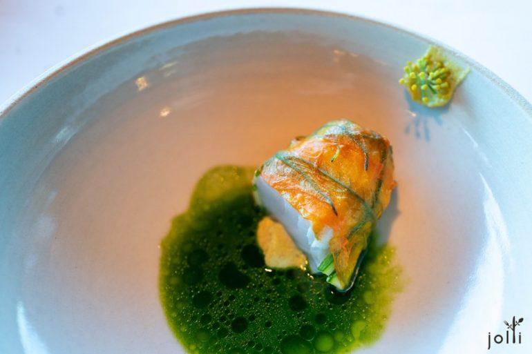 活締青鱈配以西葫蘆花及烏魚子奶油