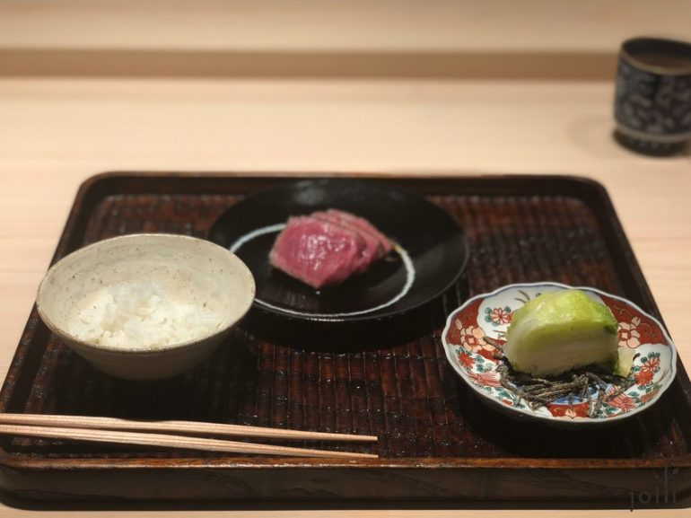 牛肉配米饭及渍白菜