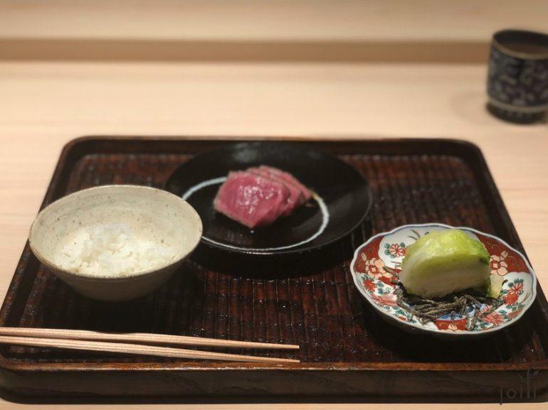 牛肉配米飯及漬白菜