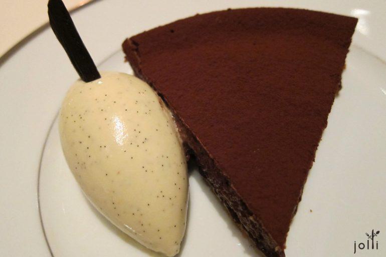 2010年的巧克力派配香草冰淇淋