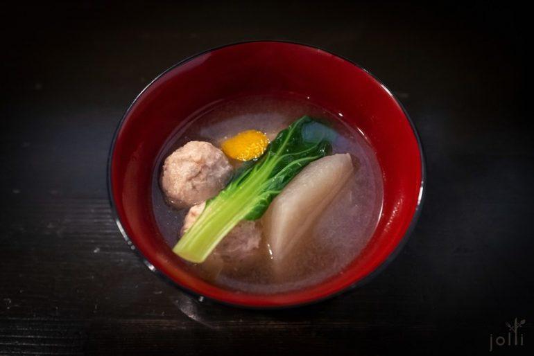 白萝卜泥汤配荞麦糕及莲藕鸭肉丸子