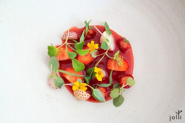 草莓配草莓酒及泰國羅勒