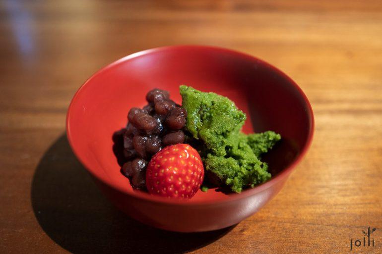 浓茶雪葩配蜜红豆和草莓