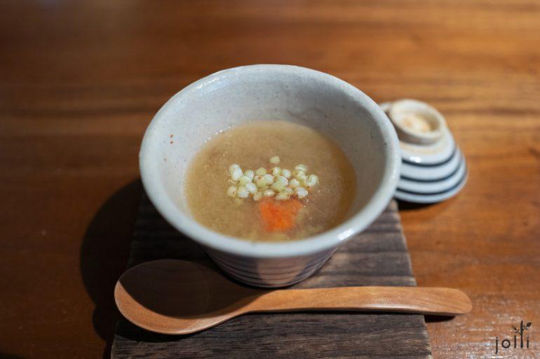 香箱蟹跟芜青配荞麦和姜