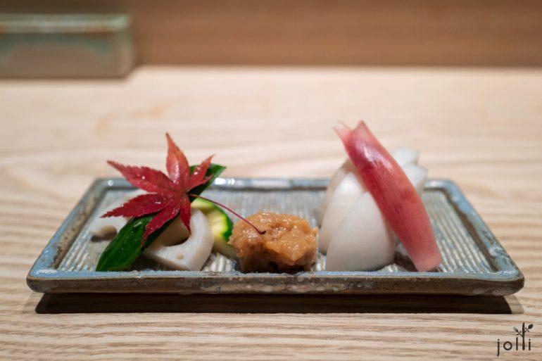渍芜青、茗荷、青瓜及莲藕配鸡肉味噌