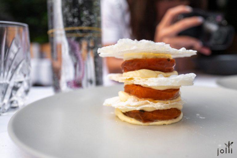 杏子牛奶千层蛋糕