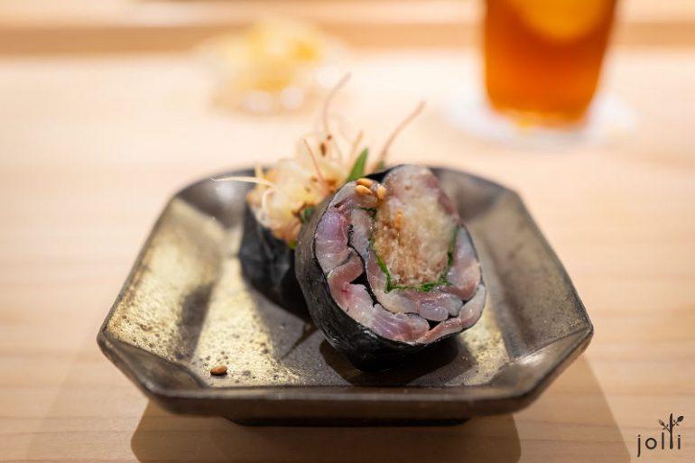 小肌-茗荷-紫苏叶-腌姜-芝麻卷物
