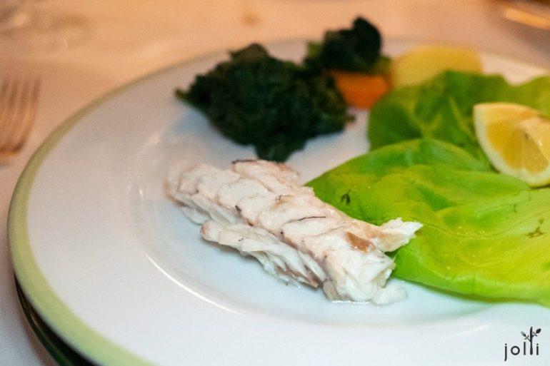 鱸魚肉質濕嫩細緻