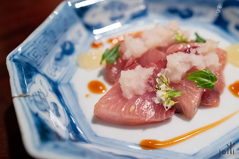 鰤魚刺身配柚子醬及醬油醬