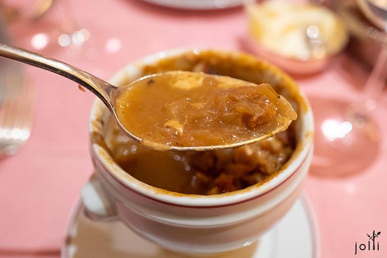 高汤收尽精华,又突出洋葱的香甜特质